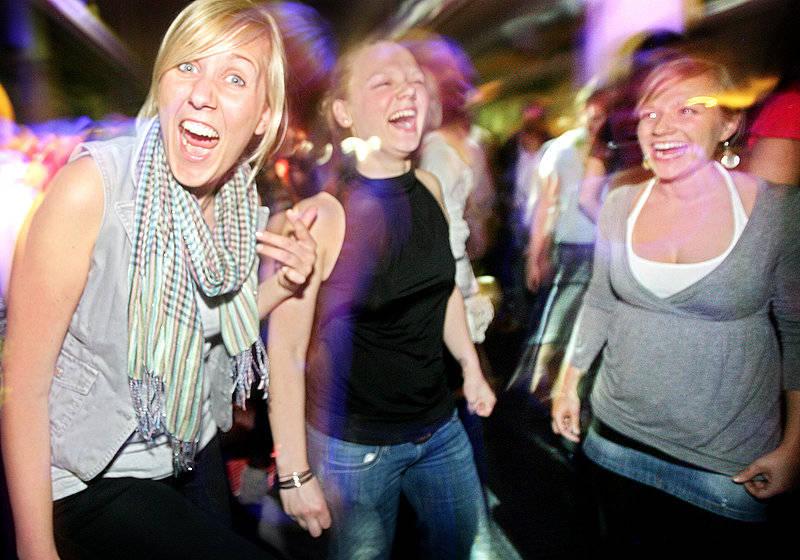 Party Spiel mit Alleinunterhalter Keyboarder karl - Super Stimmung auch bei Endlich 18 Party